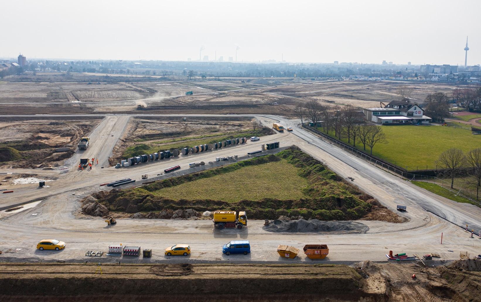 Luftaufnahme der entstehenden Baufelder mit Straßen